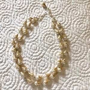 Jewelry - Vintage costume pearl and gold filigree necklace
